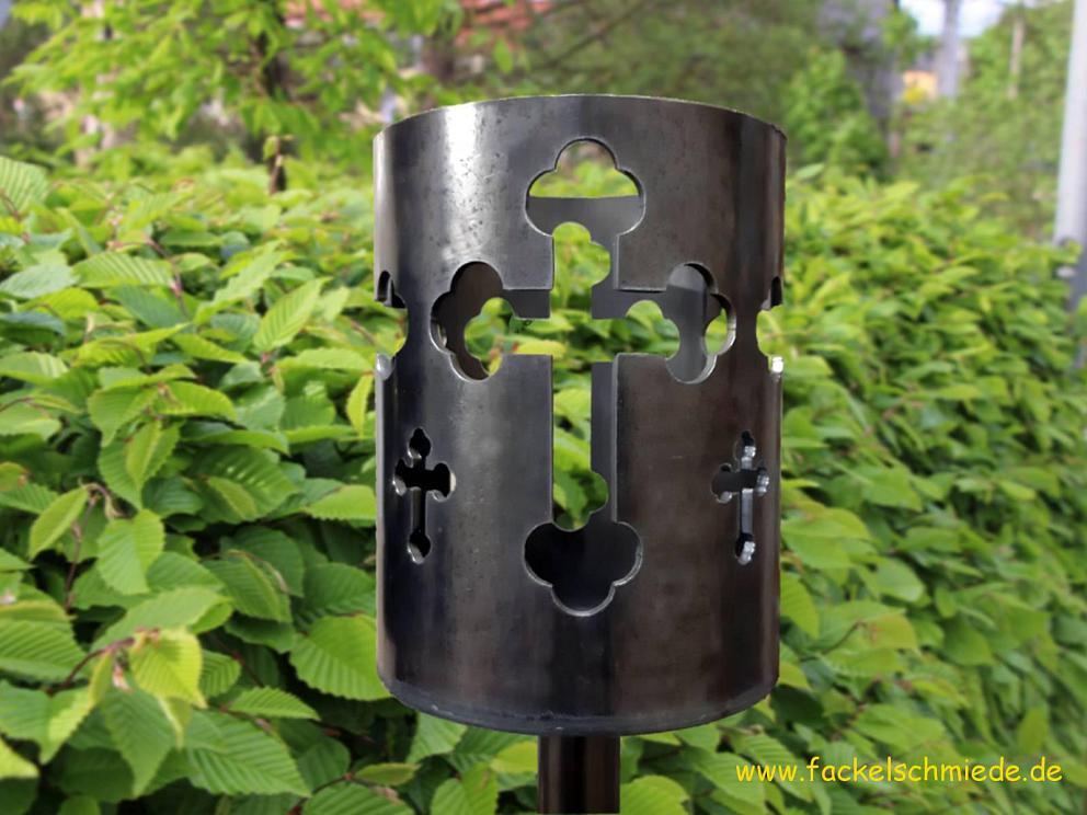 Bild Gartenfackel Kreuze