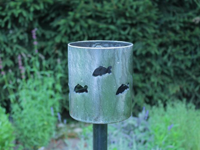 Bild Gartenfackel Angler am Teich