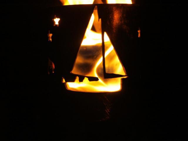 Bild Gartenfackel Motiv Segelboot